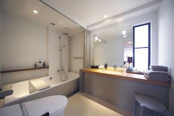 BIJUU Bathroom