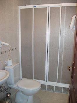 Emos Hotel - Bathroom  - #0