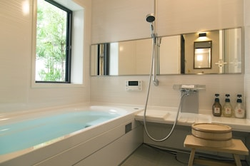 ROKKO Bathroom