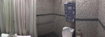 Bed&BCN Gran Via - Bathroom  - #0