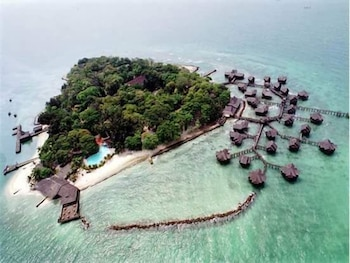 Hotel Pulau Ayer Resort & Cottages