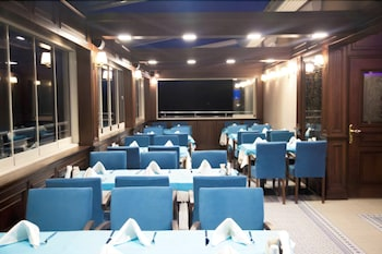 Golden Pen Hotel - Restaurant  - #0