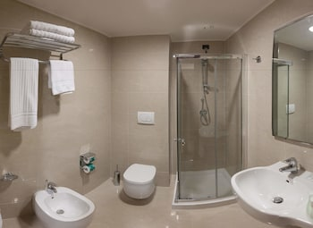 BV President Hotel - Bathroom  - #0