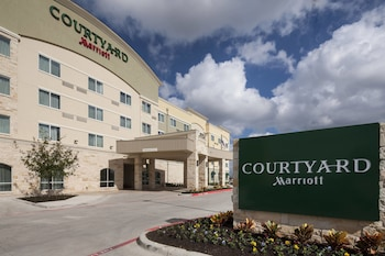 Exterior at Courtyard by Marriott Dallas Plano/Richardson in Plano
