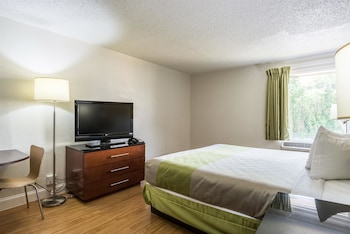 Deluxe Room, 1 King Bed, Non Smoking, Kitchen