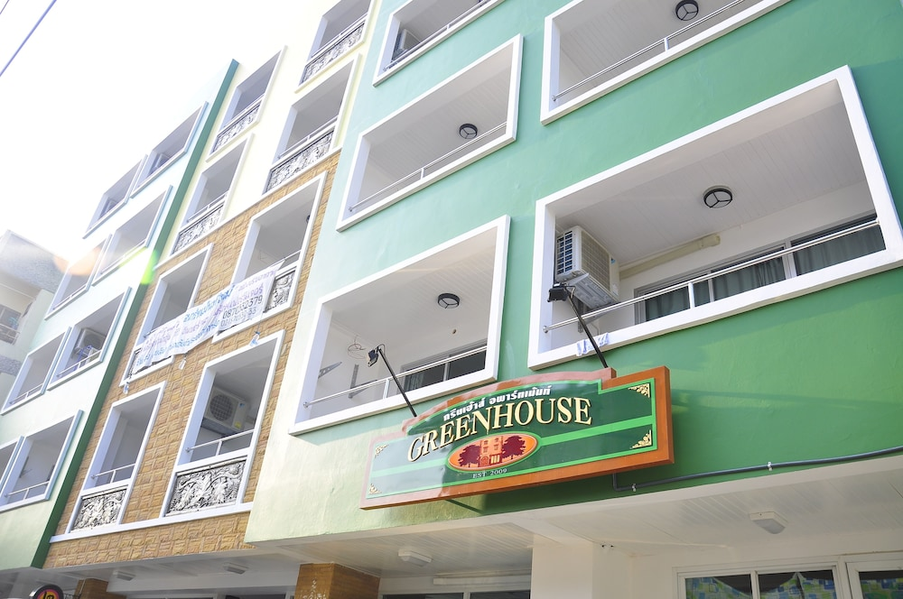 Green House Apartment
