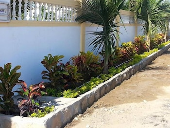 Hostal Palmeras Playa Milina - Exterior  - #0