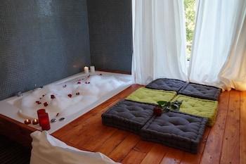 Jacuzzi Rooms -