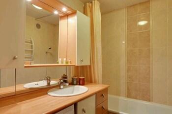 Résidence Les Mélèzes - Bathroom  - #0