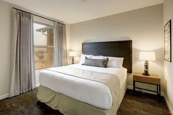 Standard Condo, 3 Bedrooms, Kitchen