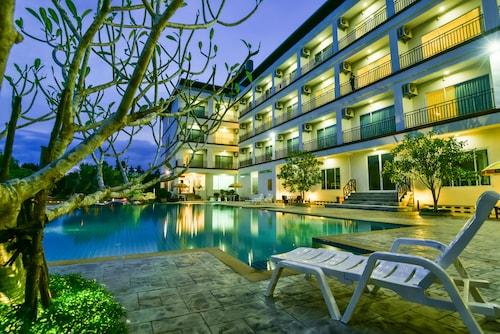 . Southgate Residence Hotel