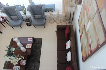 Segara Suites Subic Lobby Sitting Area