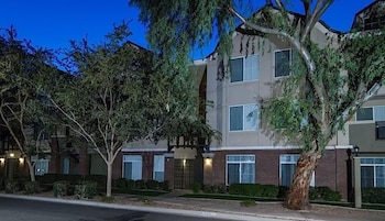 Heart of Phoenix By Signature Vacation Rentals