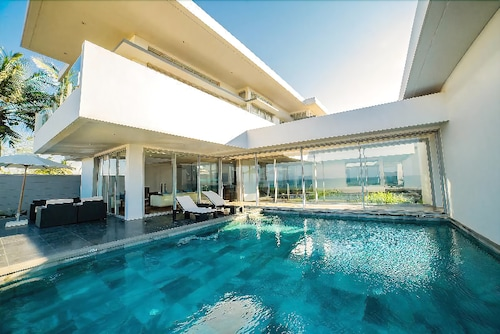 The Ocean Villas, Hiệp Đức