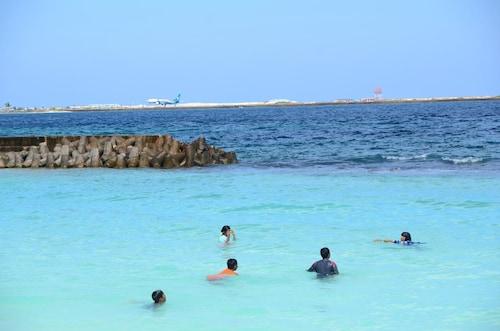 The Melrose, Malé