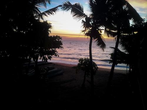 Sunray Beach House, Tangalle
