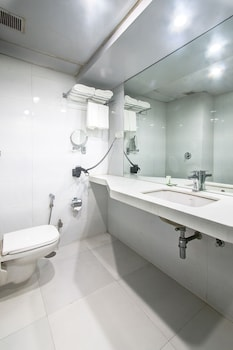 Treebo Cherry Tree - Bathroom  - #0