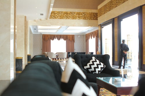 The Grantage Hotel & Sky Lounge, Tangerang