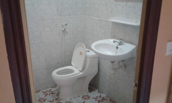 Green Sea Guest House - Bathroom  - #0