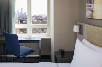 Room, 1 King Bed, Non Smoking, View (Freedom Tower View)