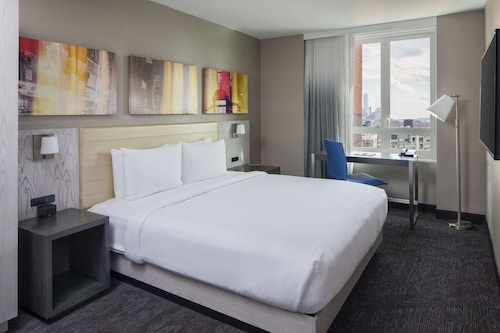 . DoubleTree by Hilton New York Times Square West