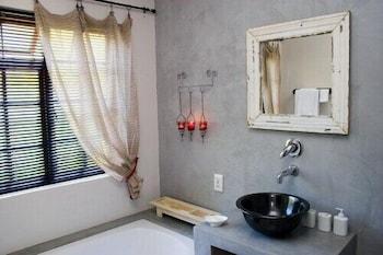 Die Waenhuis Guest House - Bathroom  - #0