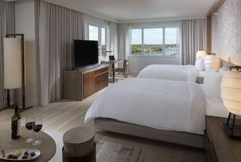 Junior Suite, 2 Queen Beds, Bay View