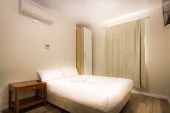 Guestroom at Shilla Lodge in Strathfield