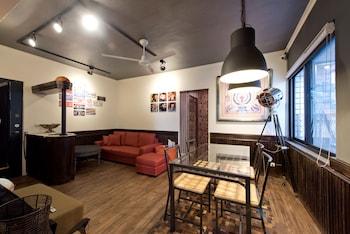 Eagle & Bear palace - Featured Image  - #0