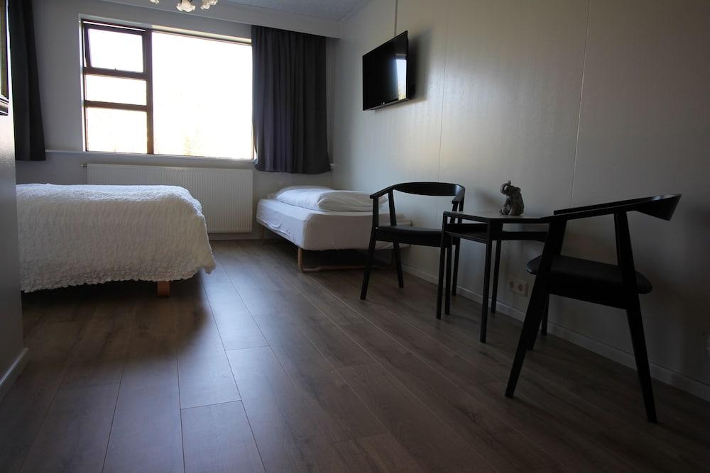 https://i.travelapi.com/hotels/17000000/16270000/16261500/16261410/b64824ca_z.jpg