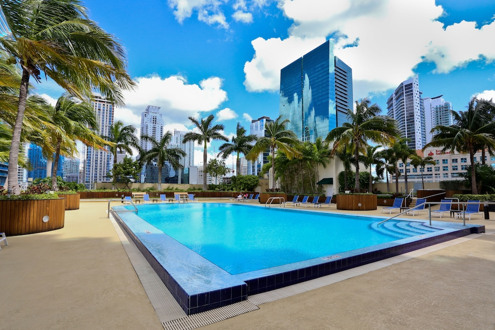 One Broadway Brickell Apartments by NUOVO