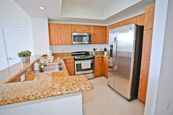 Nuovo Miami Apartments at One Broadway Brickell - In-Room Kitchen  - #0