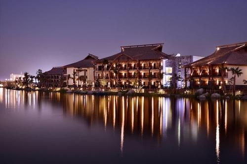 . Lapita, Dubai Parks and Resorts, Autograph Collection