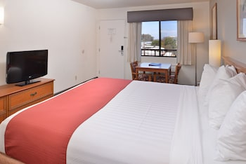 Guestroom at Pleasant Inn in San Diego