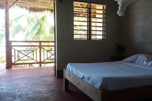 Hotel Ylang, Diana
