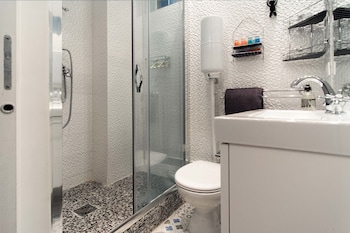 My Nest Inn Paris Mouffetard - Bathroom  - #0