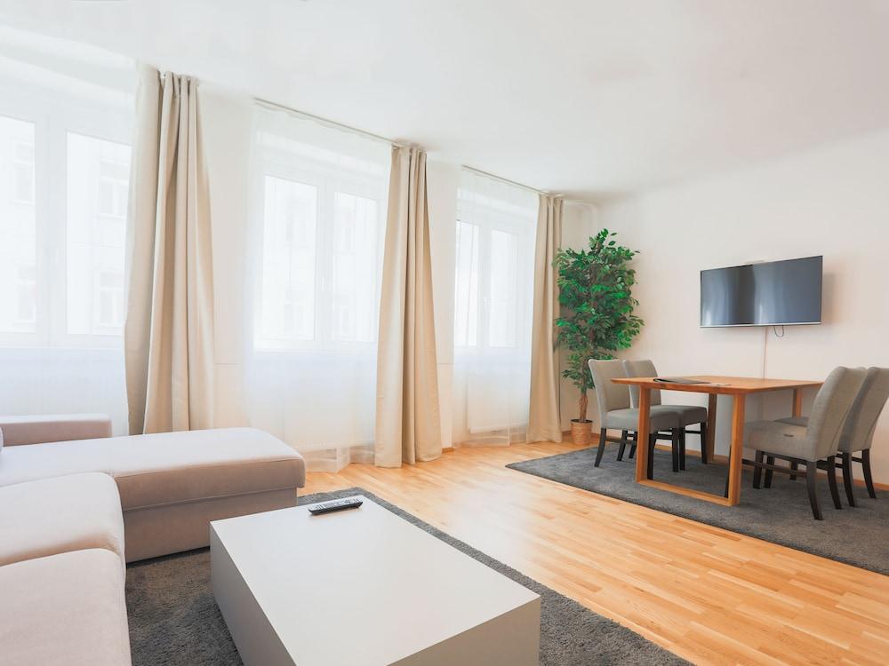 SKY9 Apartments Margareten
