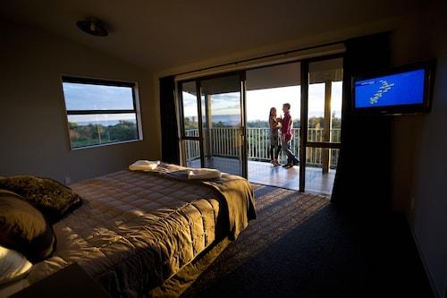 Greymouth Motels & Seaview Apartments, Grey