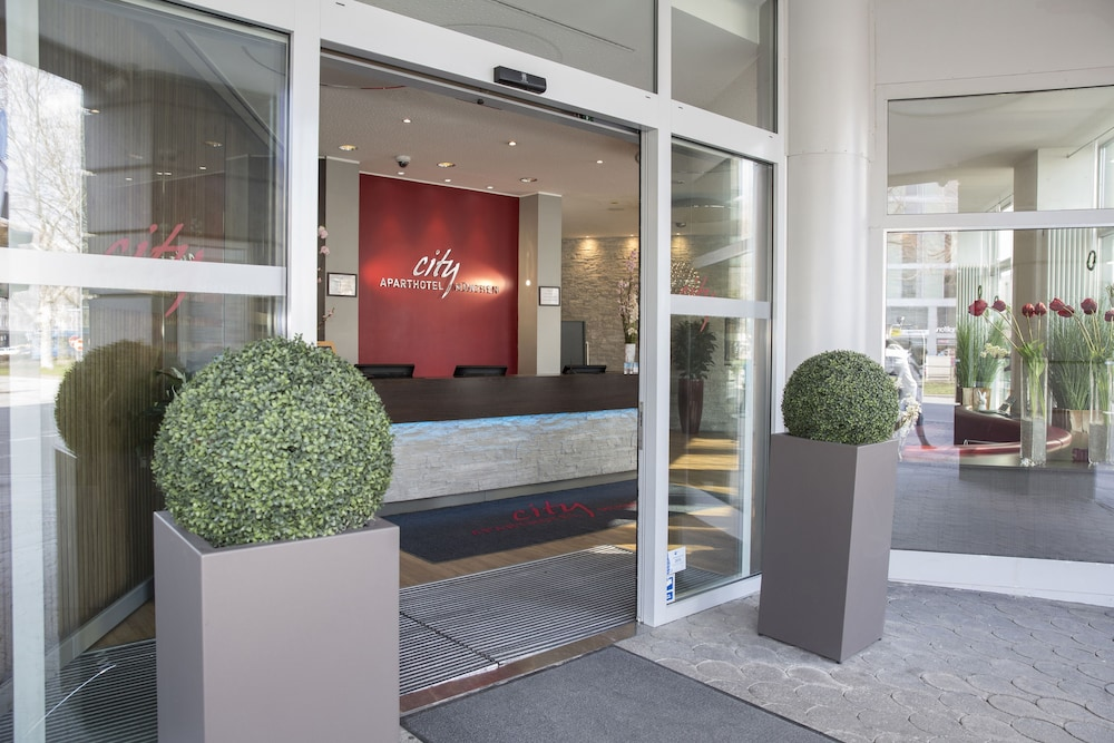 City Aparthotel München, Interior Entrance
