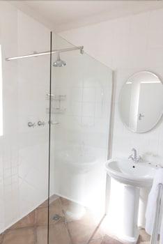 Muizenberg Guestique - Bathroom  - #0