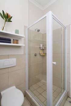 Quiver Tree Self Catering Apartments - Bathroom  - #0
