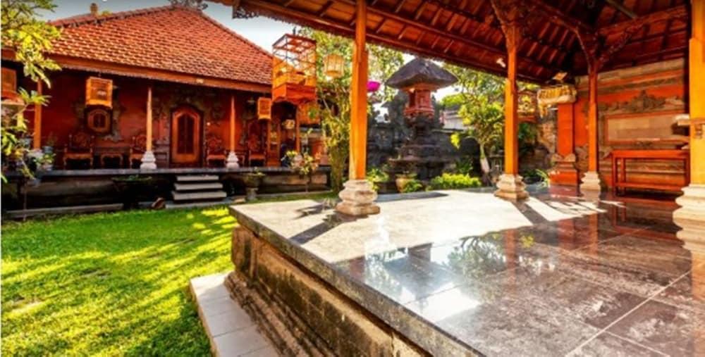 Karana Residence