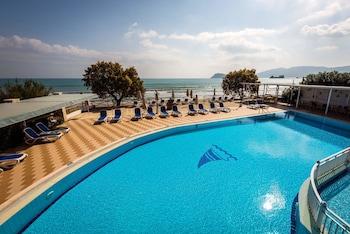 地中海海灘渡假村