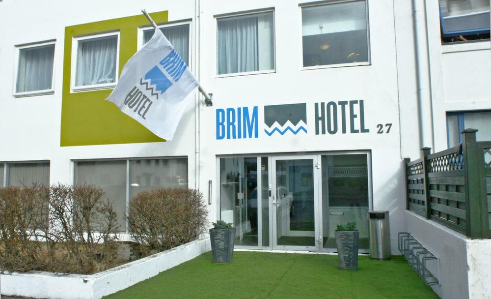 Brim hotel, Featured Image