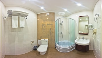 Garden Hotel - Bathroom  - #0