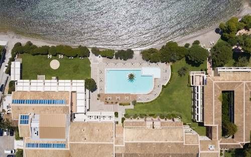 . Negroponte Resort Eretria