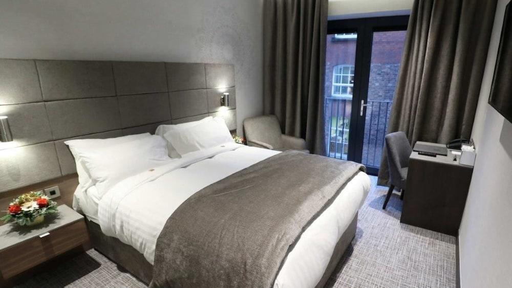 Ten Square Hotel, Belfast