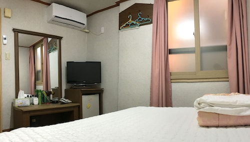 J Motel, Busanjin