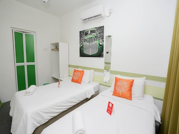 OYO 221 Olive Hotel - Guestroom  - #0