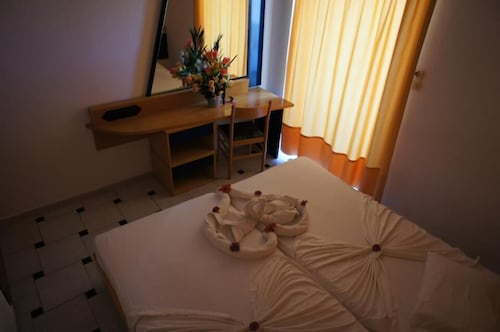 Fili Hotel Apartments, South Aegean